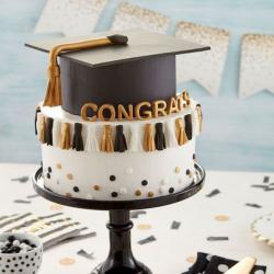 Veras Cake Graduation 2020 Cake التوصيل داخل عمان فقط