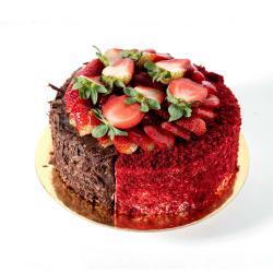 Half Red velvet & Half Fudge التوصيل داخل عمان فقط