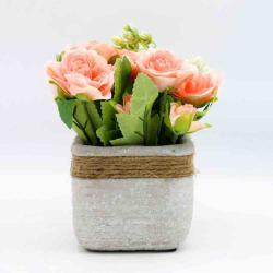 Abdeen Armn holland décor flowers with popsicles