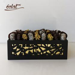 Arabic Calligraphy Date Server by Eclat for Chocolate and Gifts
