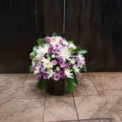 Purple and White Flower Basket التوصيل داخل عمان فقط