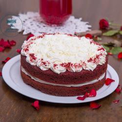 Red Velvet Cake Small size التوصيل داخل عمان فقط