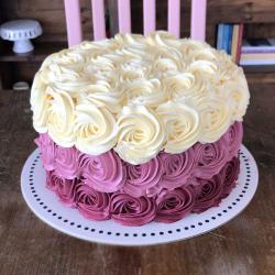 3 Colors Floral Cake التوصيل داخل عمان فقط