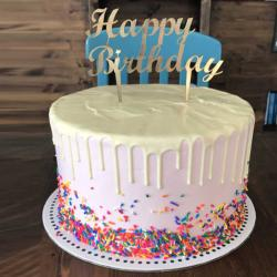 Yara's corner sprinkles birthday cake التوصيل داخل عمان فقط